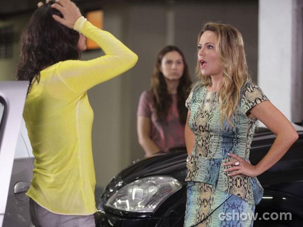 Shirley não perde a chance de provocar Verônica (Foto: Pedro Curi/TV Globo)
