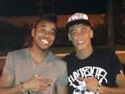Robinho e Neymar curtem fim de Natal ao lado de amigos