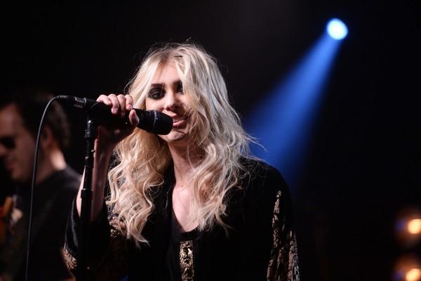 Taylor Momsen ficou conhecida após participar de 'Gossip Girl', mas abandonou a carreira de atriz e agora se dedica apenas à música. É vocalista da banda de rock 'The Pretty Reckless' (Foto: Getty Images)
