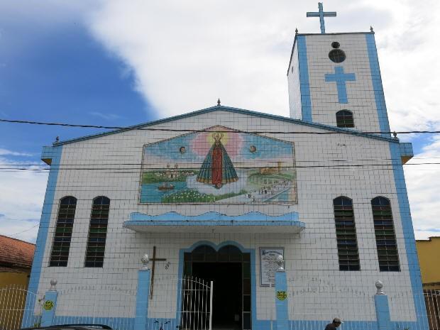 Igreja teve parte elétrica danificada (Foto: João Paulo Castro / G1)