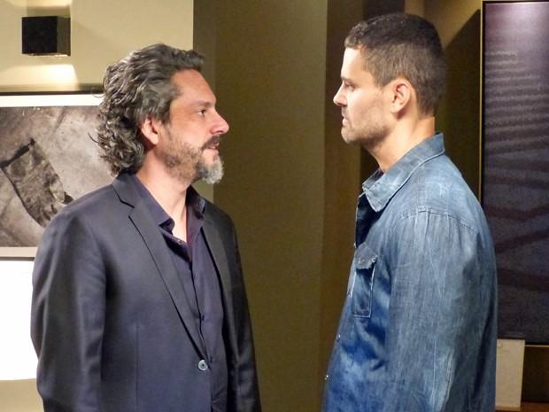 Zé e Maurílio se enfrentam  (Foto: Império/TV Globo)