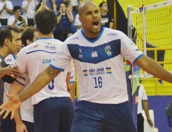Central Júnior foi um dos destaques na partida (Foto: Tião Martins/PMSJC)