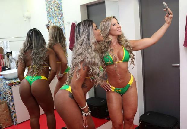 Bastidores Miss Bumbum (Foto: Celso Tavares / EGO)