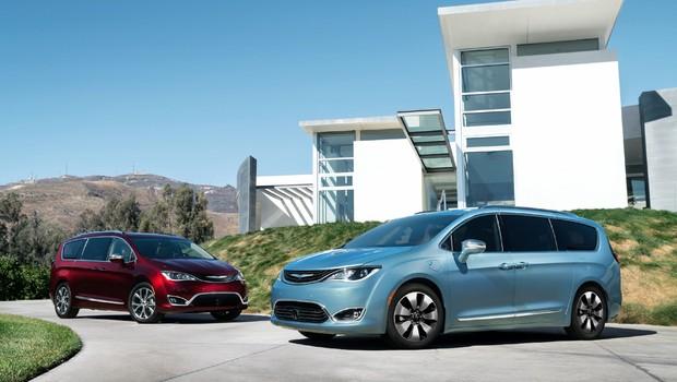 Minivan Pacifica Hybrid: engenheiros da Alphabet e da Fiat Chrysler vão trabalhar juntos no projeto para carro autônomo (Foto: Divulgação/FCA)