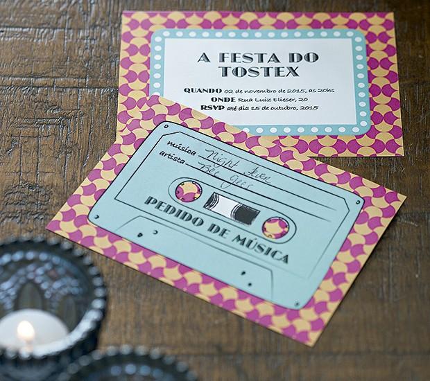 O verso do convite, em formato de fita cassete, traz espaço para os convidados pedirem uma música para acrescentar à playlist (coisa moderna!) da festa.  (Foto: Cacá Bratke/Editora Globo)