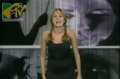 Cuca Lazzarotto na MTV (Foto: Reprodução)