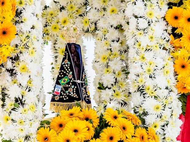 Imagem de Nossa Senhora Aparecida ficará em Alagoas para percorrer dioceses do estado (Foto: Jonathan Lins/G1)