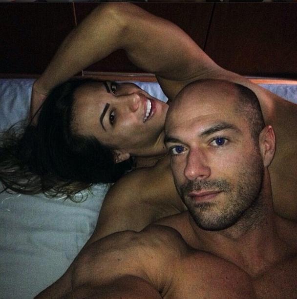 Ex-BBB Michelly ao lado do marido (Foto: Reprodução/Instagram)