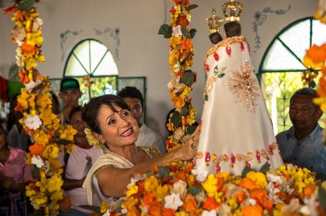 Zezé Polessa caracterizada como Edinalva, sua personagem em 'A força do querer' (Foto: Globo / Estevam Avellar)