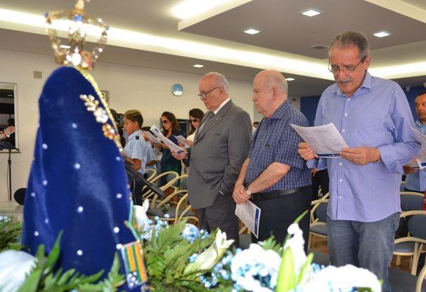 Missa aconteceu na sede da emissora, na última sexta-feira (Foto: Elson Mota / TV Sergipe)