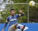 Confiante em renovação, zagueiro do Cruzeiro admite ansiedade para acerto