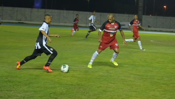 Santos fez mudança ofensiva e marcou aos 10 minutos do segundo tempo, o primeiro gol da partida (Foto: Rafael Moreira/GE-AP)