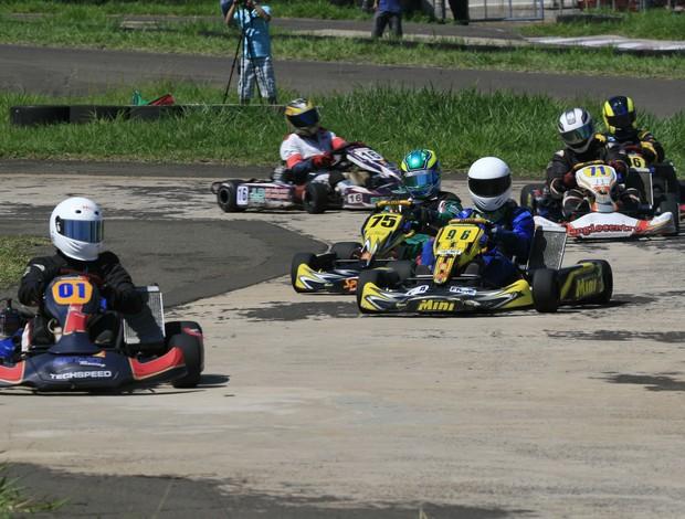 Pilotos disputam 5ª etapa estadual de kart em MS (Foto: Divulgação/FAMS)