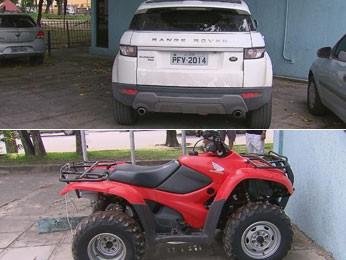 Carros importados e quadriciclo apreendidos na casa do casal (Foto: Reprodução/TV Globo)