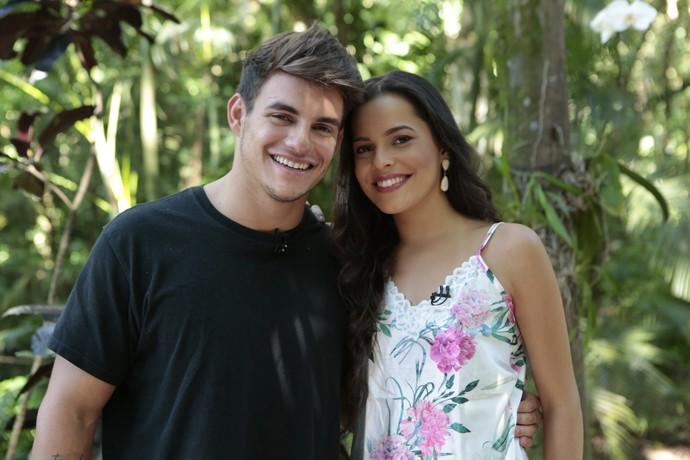 Antônio e Mayla respondem perguntas dos internautas (Foto: Felipe Monteiro/Gshow)