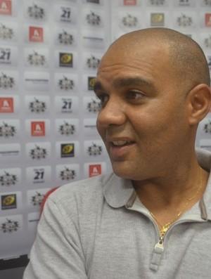 Alexandre Ferreira chega para dirigir categoria juvenil do Botafogo-SP (Foto: Divulgação / Assessoria Botafogo-SP)