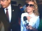 Joelma evita imprensa ao chegar para assinar divórcio de Chimbinha