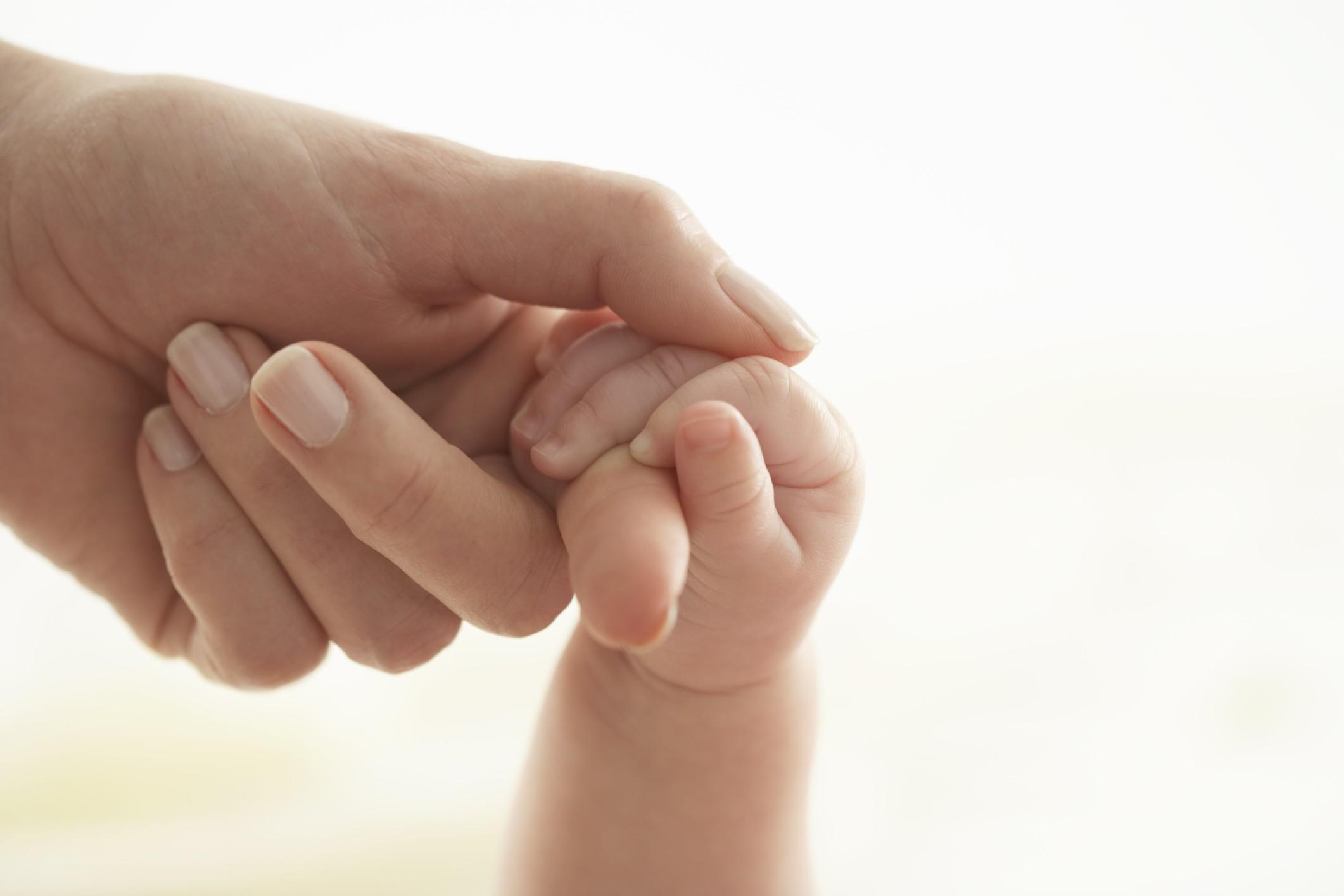 A partir do terceiro trimestre, quando o feto já tem a audição mais desenvolvida, os médicos indicam que as mães intensifiquem os diálogos com o bebê (Foto: Thinkstock)