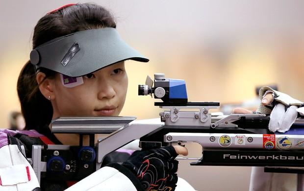 Siling Yi na prova de tiro em Londres (Foto: AFP)