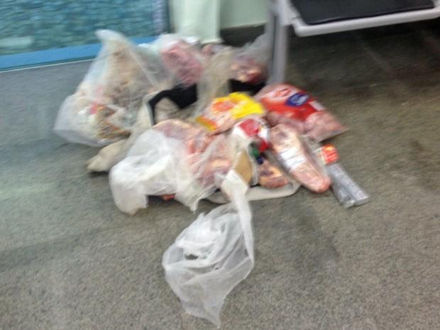 Cerca de 40 kg de carne foram apreendidos pela Polícia Militar do DF (Foto: Polícia Militar/Divulgação)