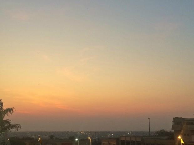 Céu de Campo Grande na tarde desta sexta-feira (29) (Foto: Maria Caroline Palieraqui/G1 MS)