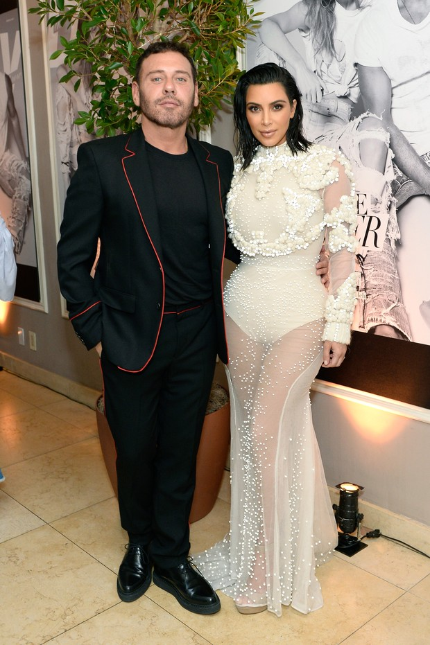 Kim Kardashian e Mert Alas no Los Angeles Fashion Awards (Foto: Getty Images)