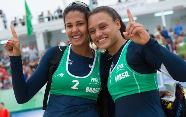 Duda e Tainá são campeãs mundiais sub-19 (Foto: FIVB/Divulgação)