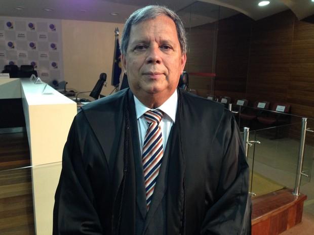 coletiva final do TRE foi comandada pelo presidente do tribunal, Antônio Carlos Alves da Silva (Foto: Bruno Marinho/ G1)