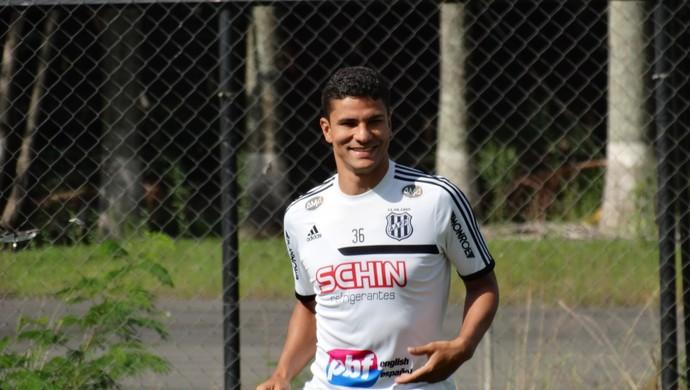 Ferron, zagueiro Ponte Preta (Foto: Guilherme Dorigatti/ PontePress)
