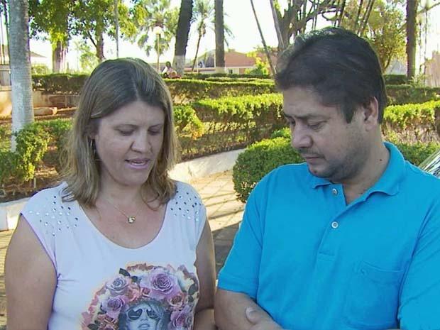 Casal foi enganado por falsa conselheira espiritual em Alterosa, MG (Foto: Reprodução EPTV)