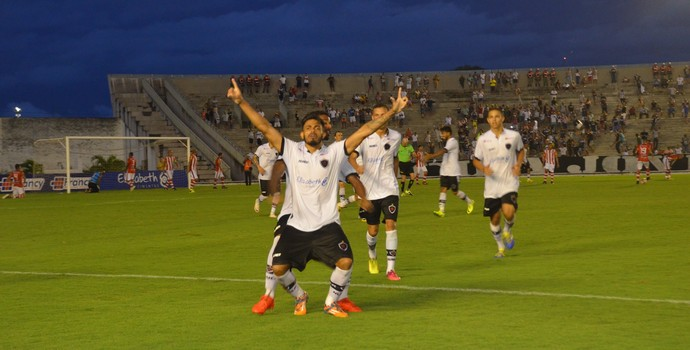 Botafogo-PB, Auto Esporte, Botauto, Gustavo Henrique (Foto: Edgley Lemos / GloboEsporte.com)