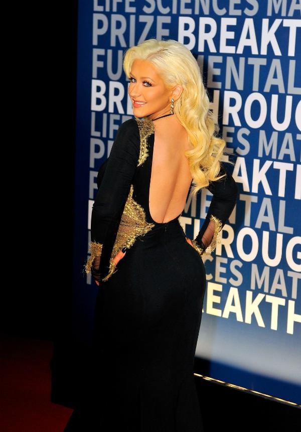 O vestido ousado de Christina Aguilera chamou atenção (Foto: Getty Images)