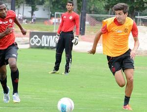 mattheus treino Flamengo (Foto: Alexandre Vidal/Fla Imagem)