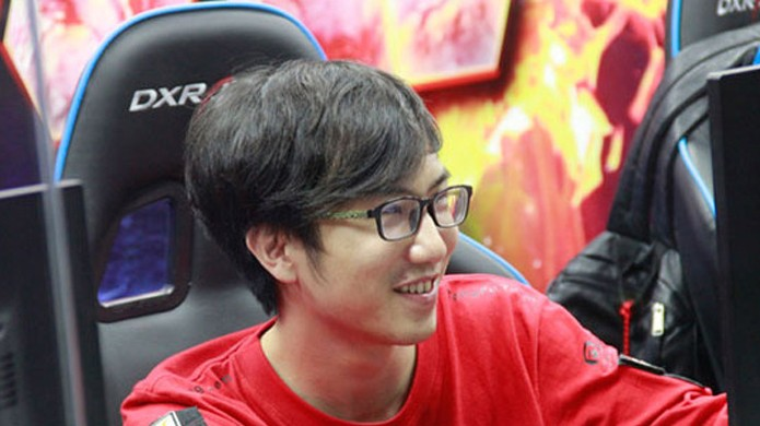 """Wang """"SanSheng"""" Zhaohui joga na função de suporte junto com Zhang """"Mu"""" Pan (Foto: Reprodução/DOTA 2)"""