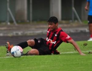 Volante Renato  durante Atlético-PR x Rio Branco-PR (Foto: Site oficial do Atlético-PR/Divulgação)
