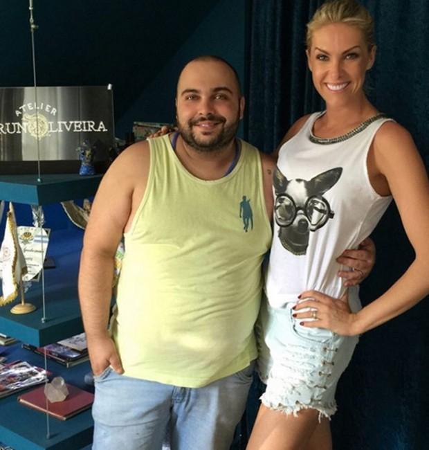 f107f523dfa64 Ana Hickmann e o figurinista Bruno Oliveira (Foto  Reprodução Instagram)