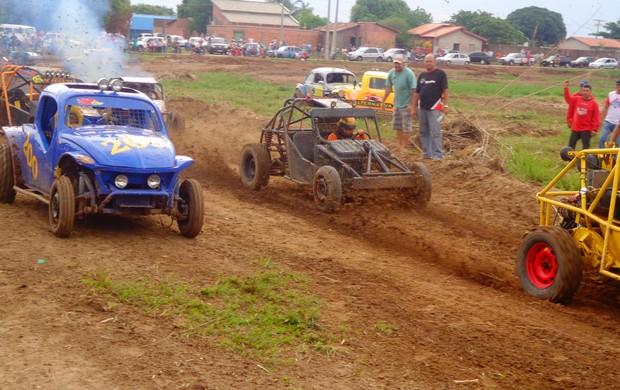 Cinco pilotos entraram na pista de Paraíso para a corrida das gaiolas (Foto: Vilma Nascimento/GLOBOESPORTE.COM)