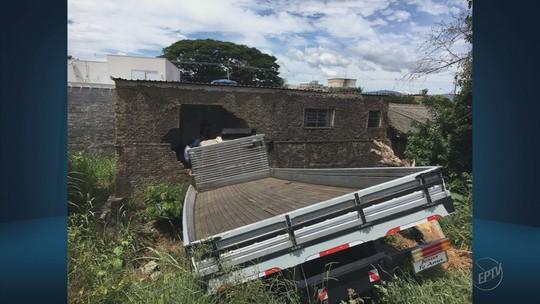 Caminhão perde freio e deixa duas pessoas mortas em Andradas, MG