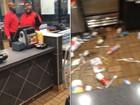 Funcionário de fast-food tem ataque de fúria ao ser demitido nos EUA