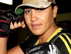 Erica Paes lutadora do MMA (Foto: Thiago Correia)