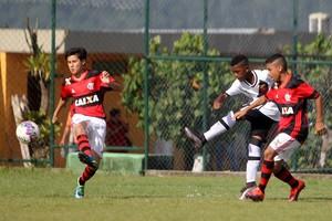 O jovem Rayan marcou três gols na vitória do sub-11 sobre o Flamengo na decisão do estadual  (Foto:  Paulo Fernandes / Vasco.com.br)