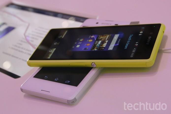 Tela do Xperia Z3 Compact não é Full HD, mas dá conta do recado (Foto: Fabricio Vitorino/TechTudo)