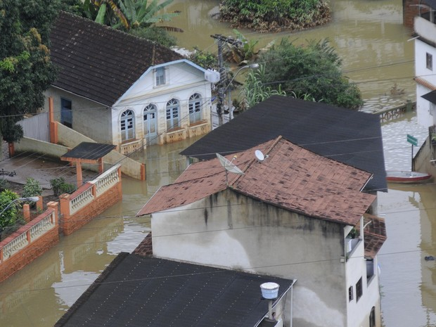 Vista aérea de Santa Leopoldina atingida por chuva na região Serrana do Espírito Santo. (Foto: Vitor Jubini/ A Gazeta)