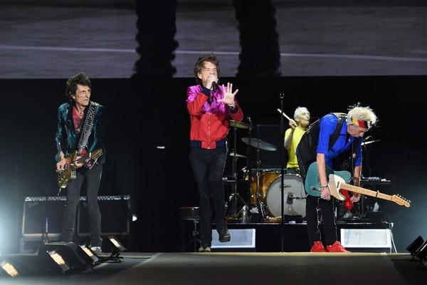 O guitarrista Ronnie Wood com seus colegas de Rolling Stones (Foto: Getty Images)