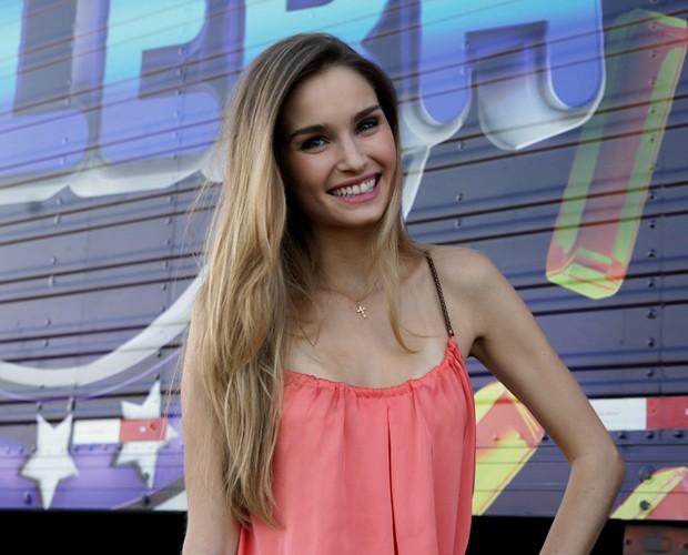 Linda, Raquel está brilhando como Analú em Guerra dos Sexos (Foto: Domingão do Faustão / TV Globo)