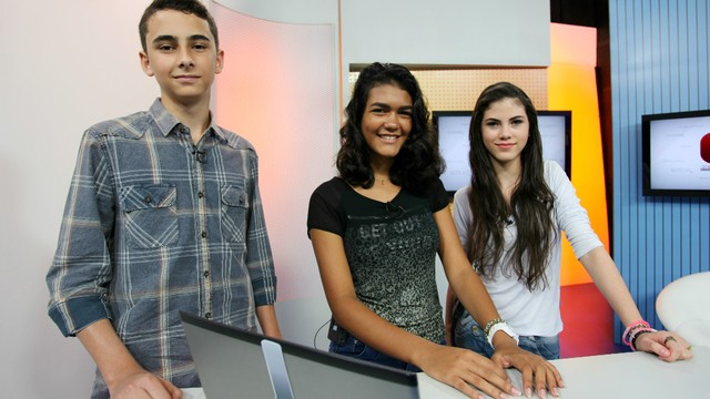 Vencedores do Voto Popular participam do Jornal da Tribuna 1ª edição (Foto: Fernanda Maciel)