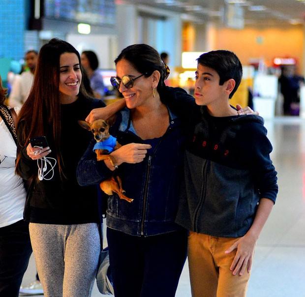 Glória Pires com Ana e Bento Morais (Foto: Delson Silva/AgNews)