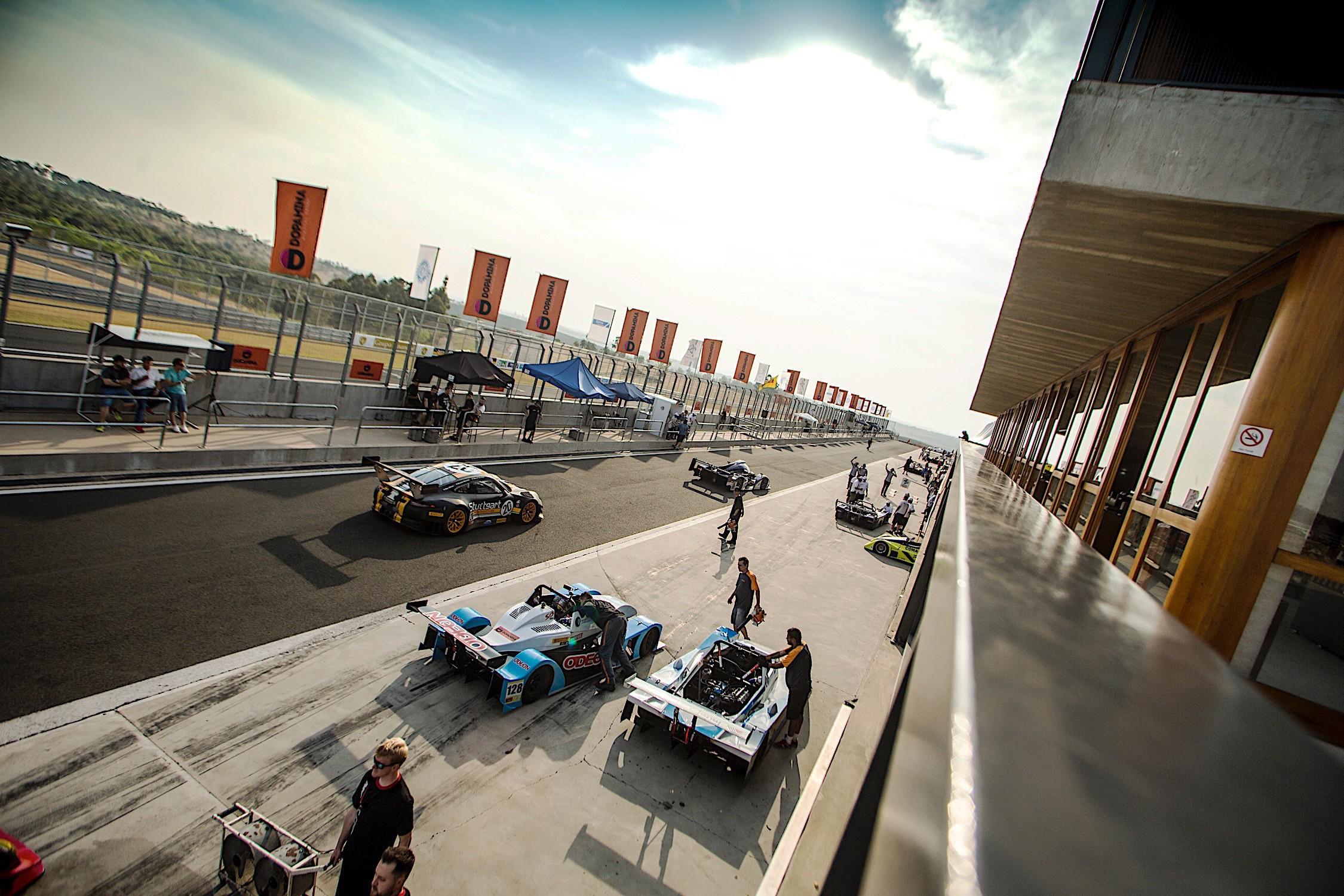 Boxes classificação das categorias GP1 e GP2.jpg (Foto: Luca Bassani)