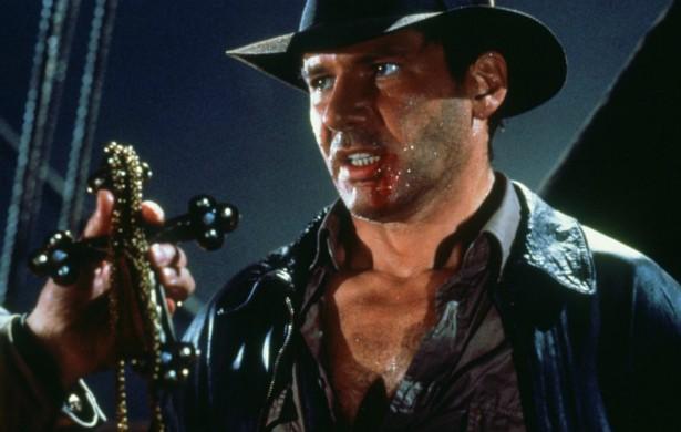Harrison Ford, de 72 anos, passou a vida encarando cenas arriscadas sem dublês. Dá para ver pelas aventuras do personagem Indiana Jones. (Foto: Reprodução)