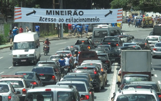 Engarrafamento no Mineirão (Foto: Felippe Costa)